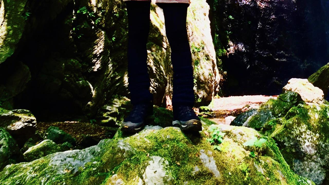 硬くてはけない登山靴を負かす方法