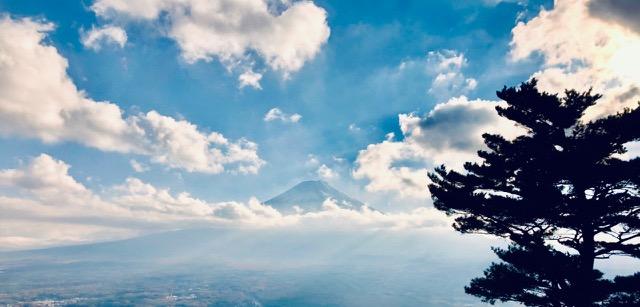三ツ峠山登山と河口湖から富士山ビューと紅葉刈り